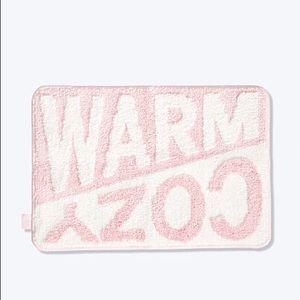Victoria's Secret PINK Warm & Cozy Bath Mat